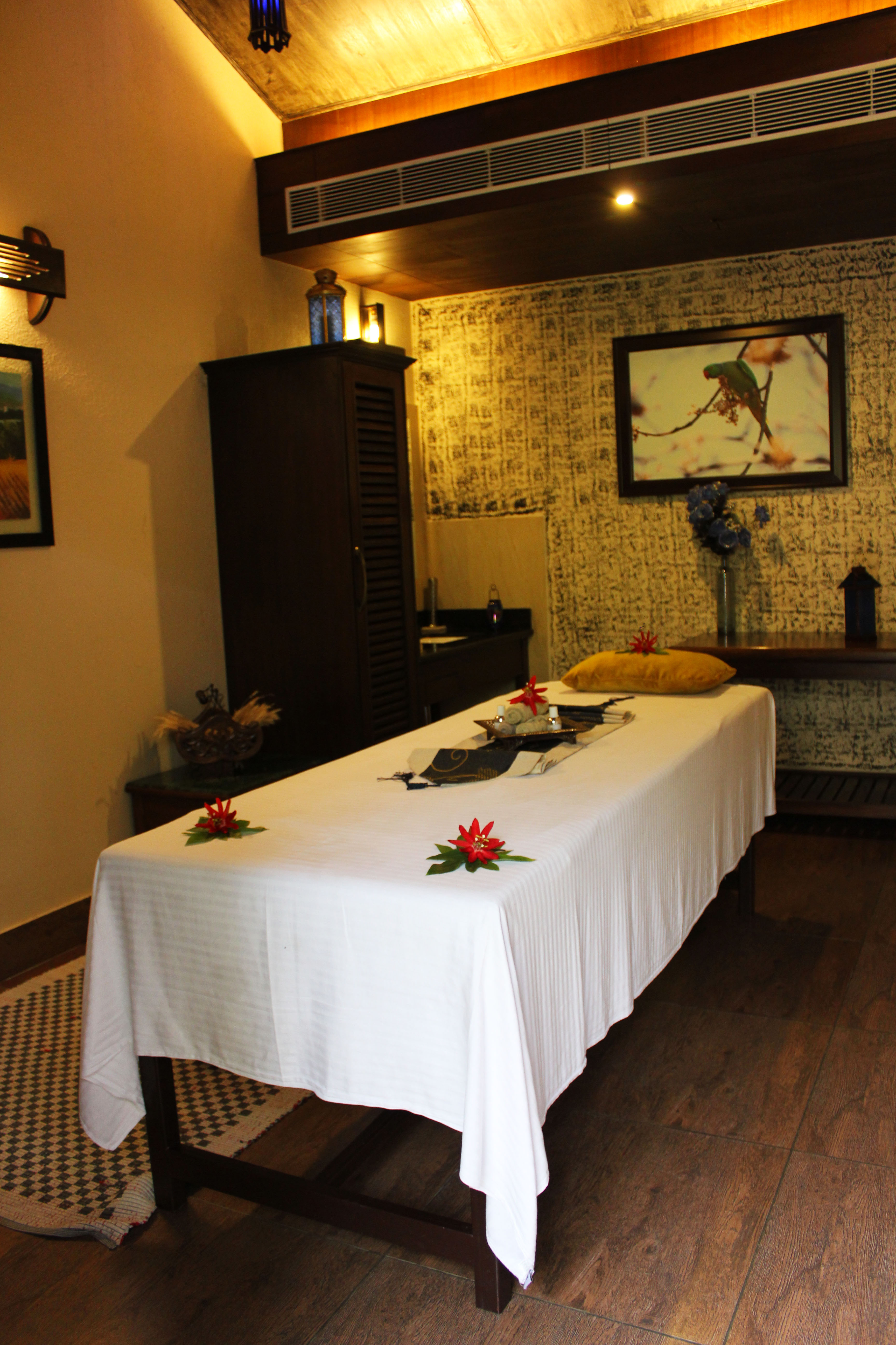 Or relax in the lovely spa that Aahana boasts of