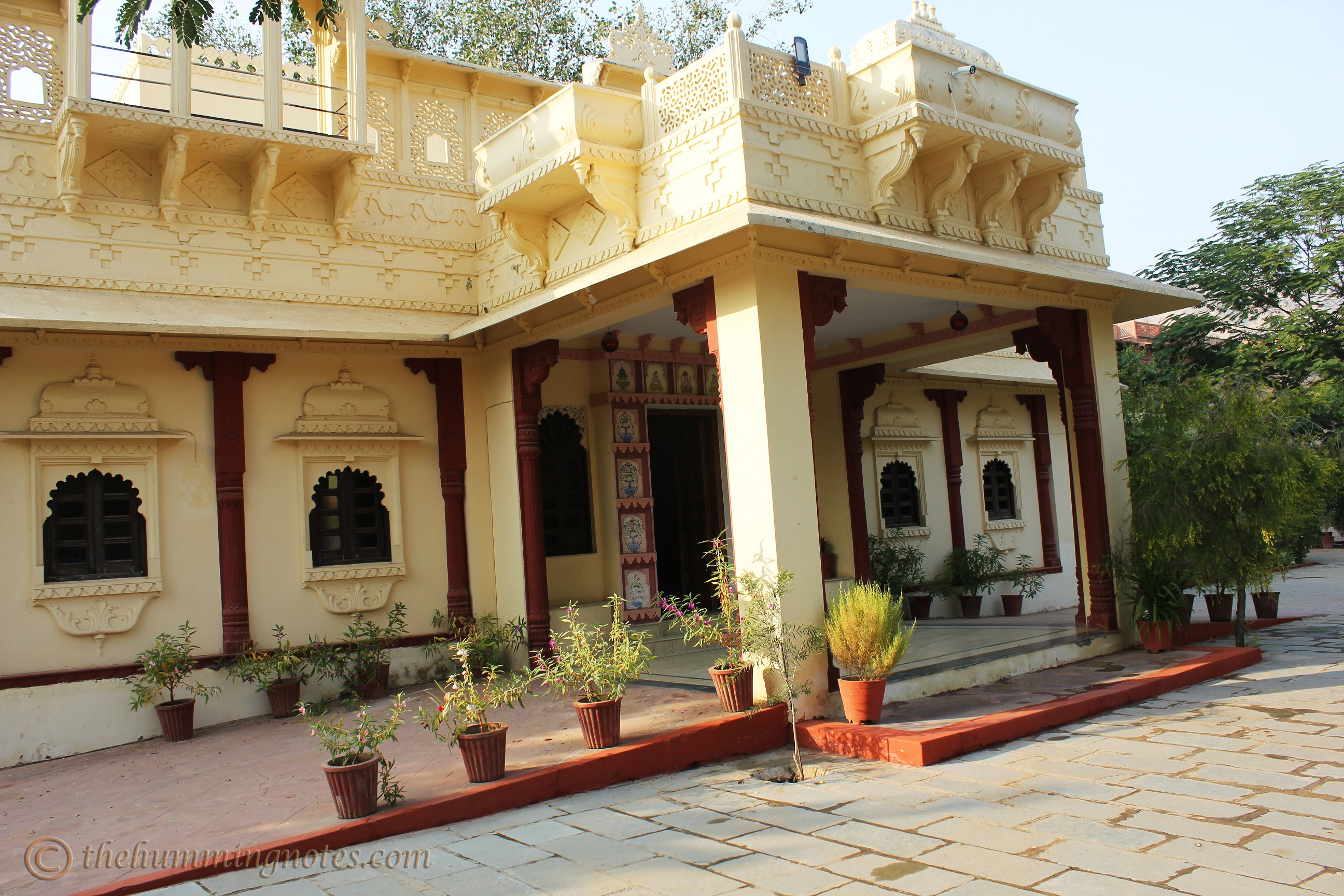 alwar-bagh-by-aamod-entrance
